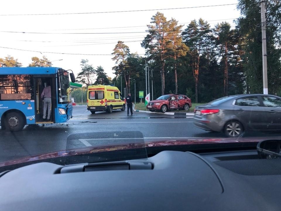 В ДТП пострадала водитель иномарки Фото: vk.com/podslyshano_y_voditelei69/Максим Смирнов
