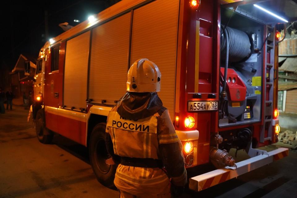 Два человека пострадали при пожаре в многоэтажке в Москве
