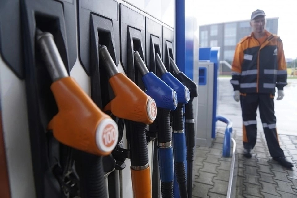 Аналитик перечислил факторы, из-за которых дорожает бензин