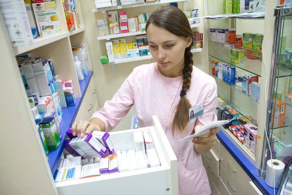 Против коронавируса могут быть эффективны уже существующие препараты, утверждают ученые.