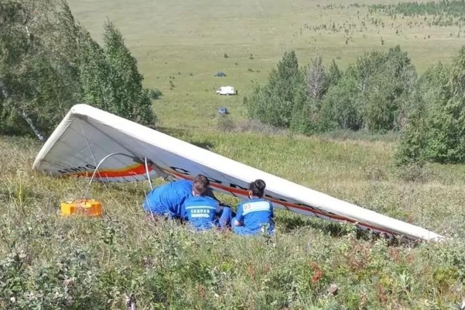 Дельтаплан разбился во время полета на горе Кумас. Фото: МЧС России по республике Башкортостан