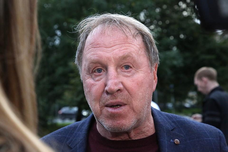 Вечером 28 июля 73-летний актёр был доставлен на скорой в 15-ую московскую больницу