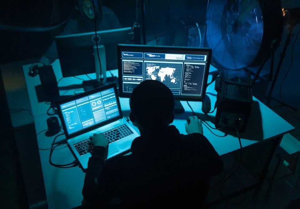 В интернете появились откровения хакеров, которые рассказали о дырах в конфигурации сайта ФБК.