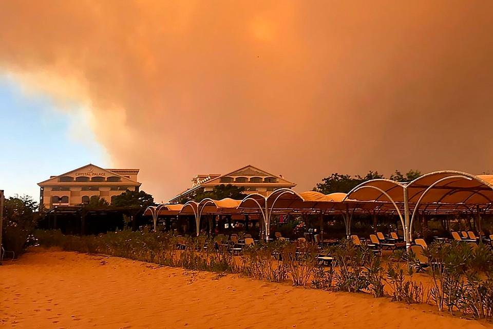 Лесные пожары продолжают бушевать в Турции