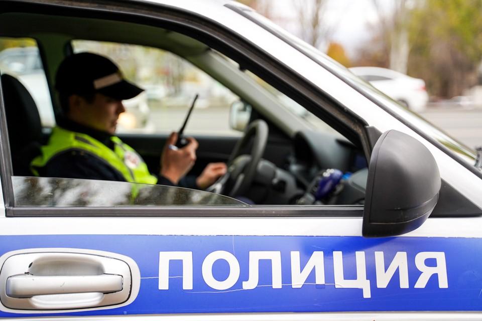 В полицию поступило сообщение об обнаружении тела женщины в лесном массиве рядом с поселком Лунево.