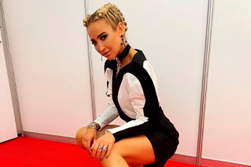 Ольга Бузова на съемки в Минск приехала со своим стилистом.