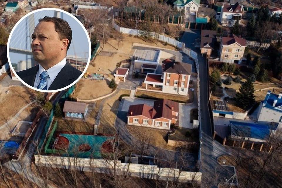 Здание ушло со скидкой. Фото: vl.ru / google.com_maps/Сергей Баланов