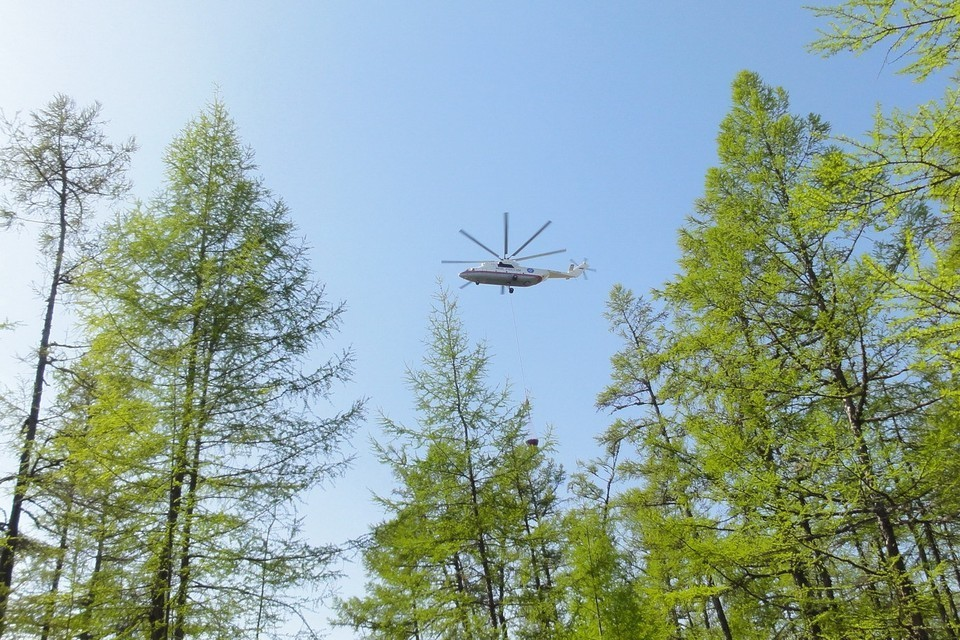 Искусственные дожди вызовут для тушения лесных пожаров на севере Иркутской области
