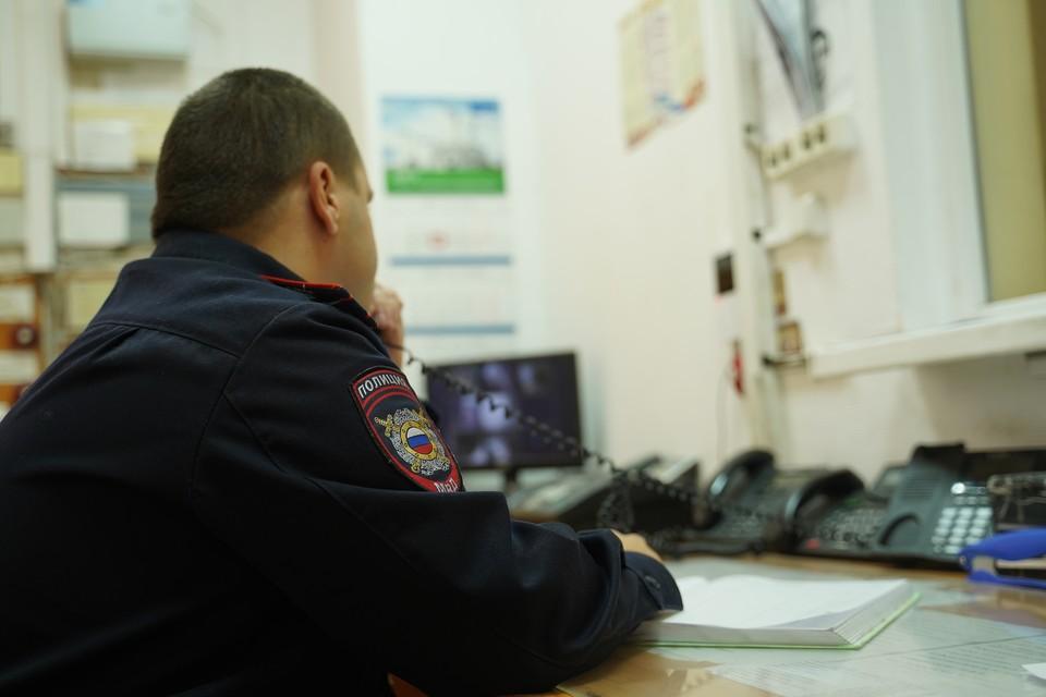 Грабитель вскрыл машину отдыхающей под Анапой и украл 3,7 миллиона рублей