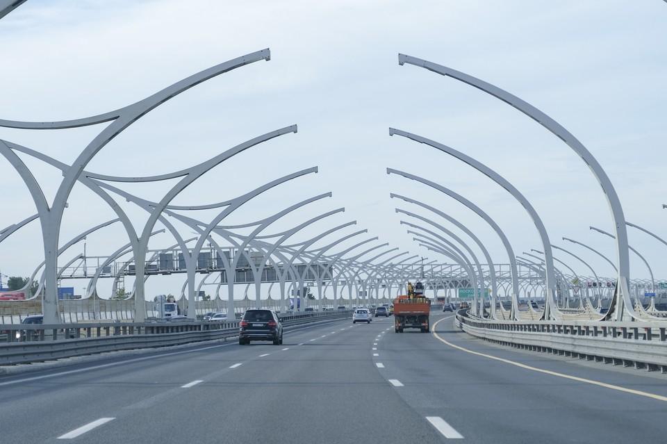На внутреннем кольце КАД между развязками с проспектом Обуховской Обороны и Московским шоссе перекроют две полосы движения
