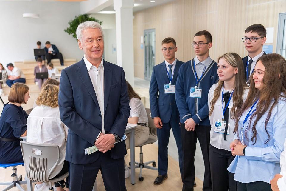 1 сентября, мэр Москвы Сергей Собянин на открытии школы на Карельском бульваре