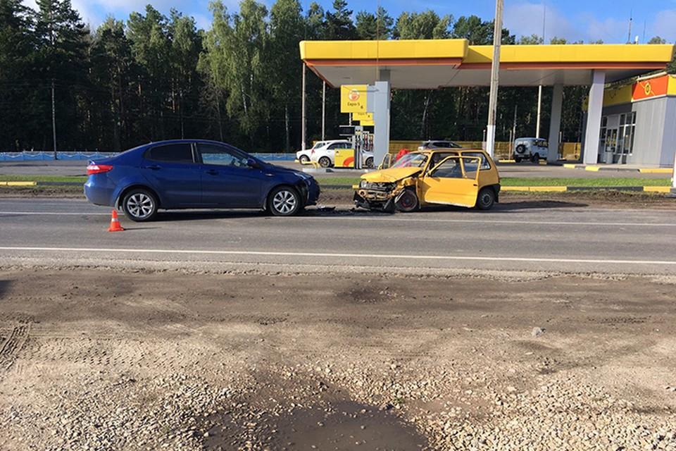 Водитель желтой машины скончался.
