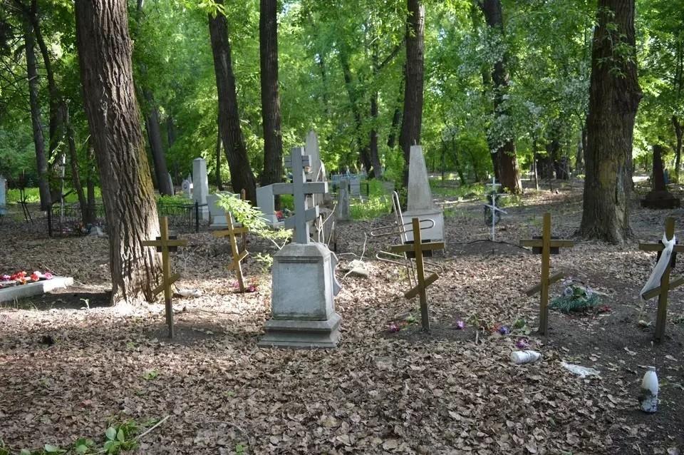 После «пинка» прокуратуры в Тюмени навели порядок на Верхнеборском кладбище