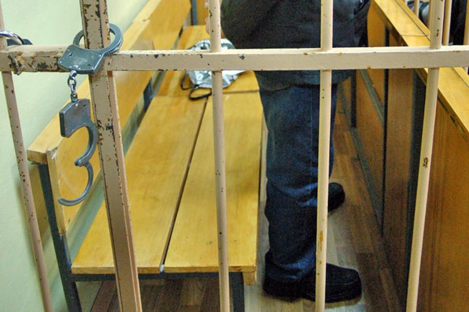 Житель Тульской области проломил стену сарая и украл комплект зимних шин