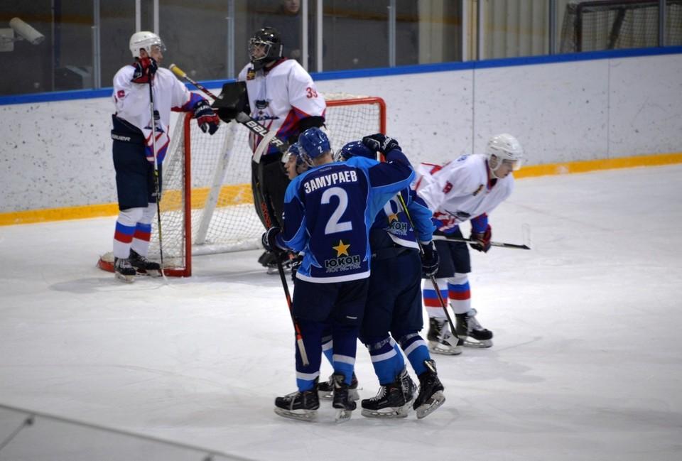 Сегодня и завтра наши парни проведут два товарищеских матча с МХК «Липецк» на «Оранжевом льду». Фото со страницы vk.com/club8075812.