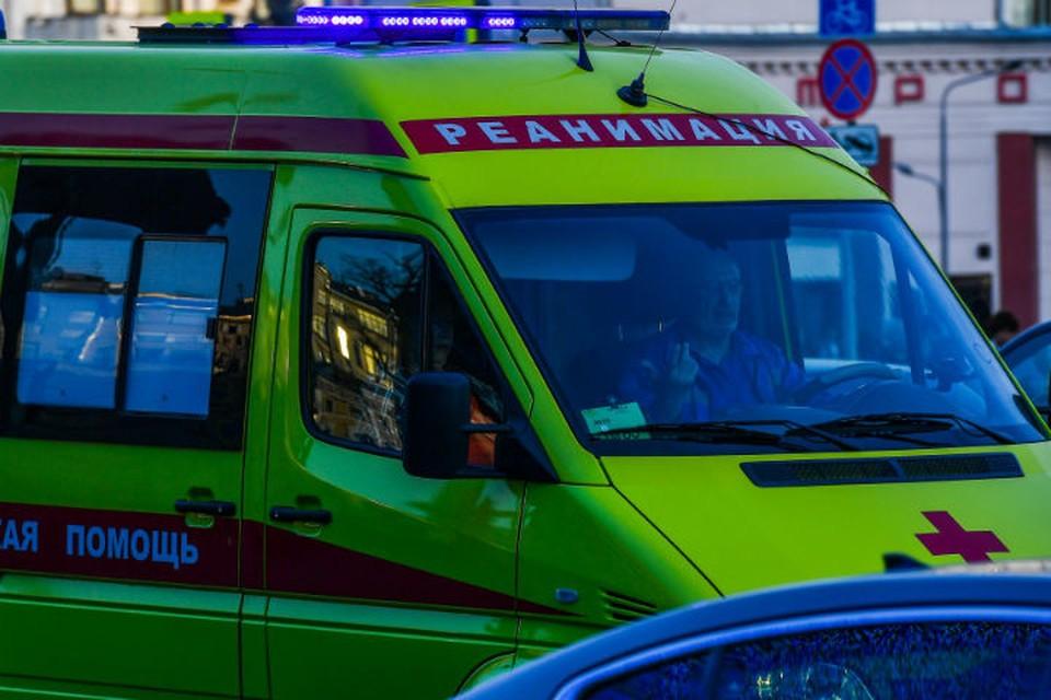 """""""Ниссан"""" врезался в автобус с пассажирами в Усолье-Сибирском"""