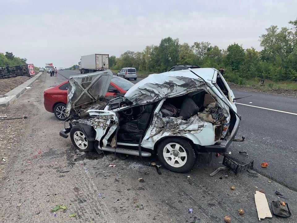 35-летнего водителя госпитализировали. Фото: ГУ МВД по Самарской области