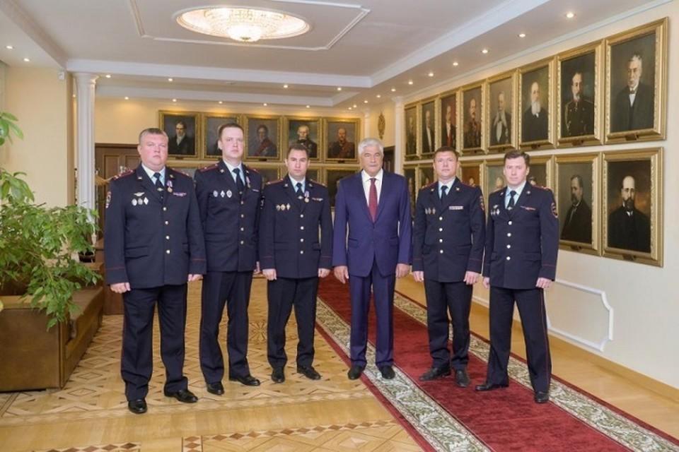 Награждение полицейских, которые нашли убийцу Насти Муравьевой. Фото: МВД России