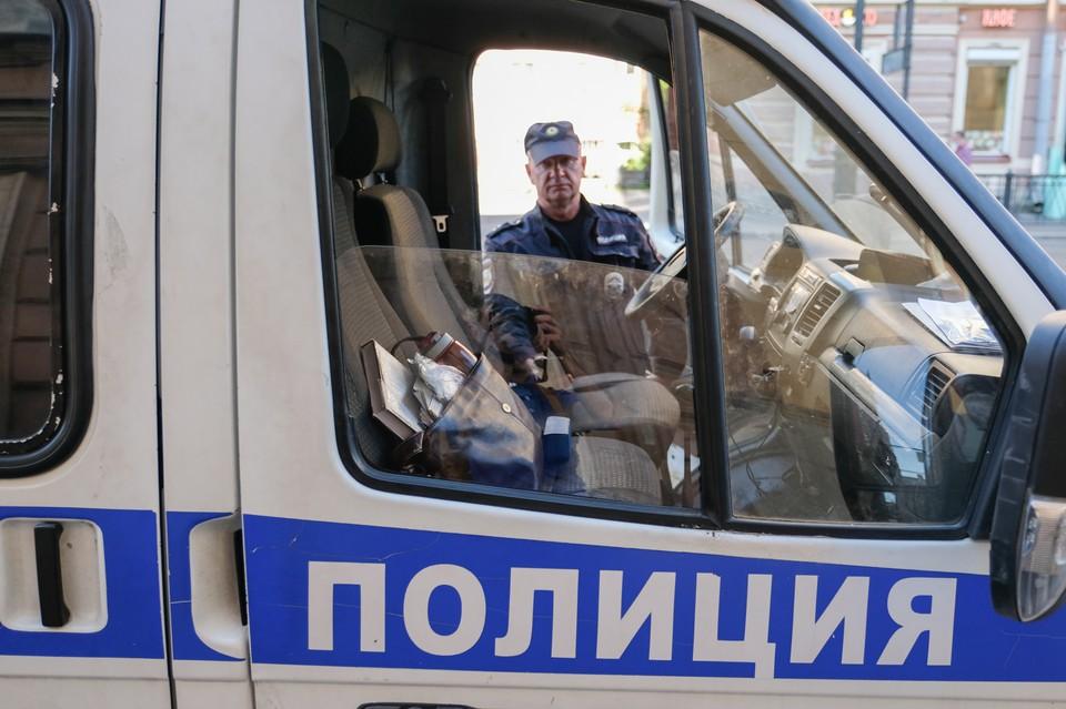 Полиция Невского района задержала мужчину, который выстрелил в свою соседку