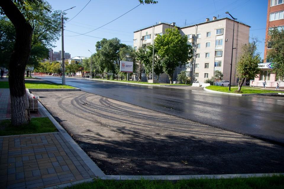 После участка от Мухина до Комсомольской подрядчик приступит к асфальтированию проезжей части между Комсомольской и Калинина Фото: администрация Благовещенска