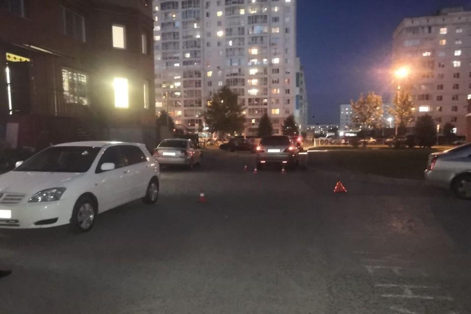 В Новосибирске иномарка сбила ребенка, переходившего дорогу.