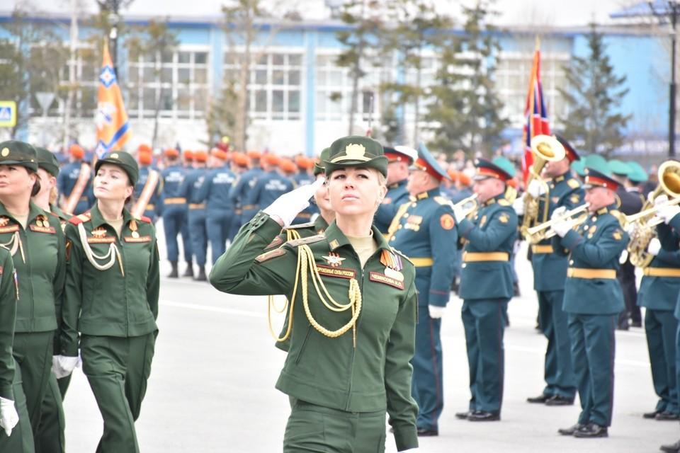 В этот день сахалинцы в независимости от званий и должностей получили 15 000 рублей