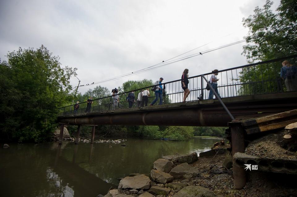 На время работ на мосту, войти в парк Маяковского можно будет только со стороны главного входа
