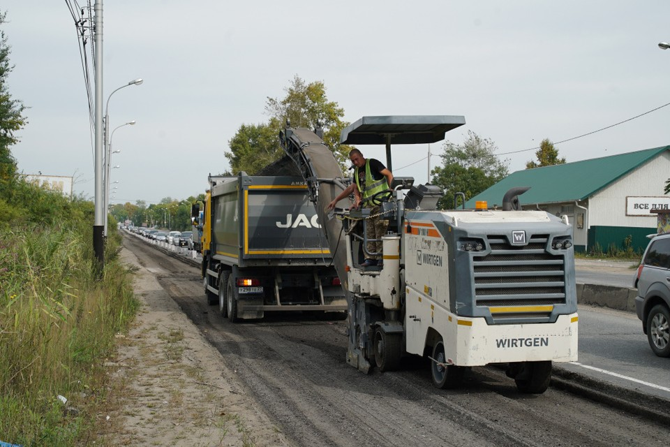 На 60 лет Октября в Хабаровске начался ремонт дороги