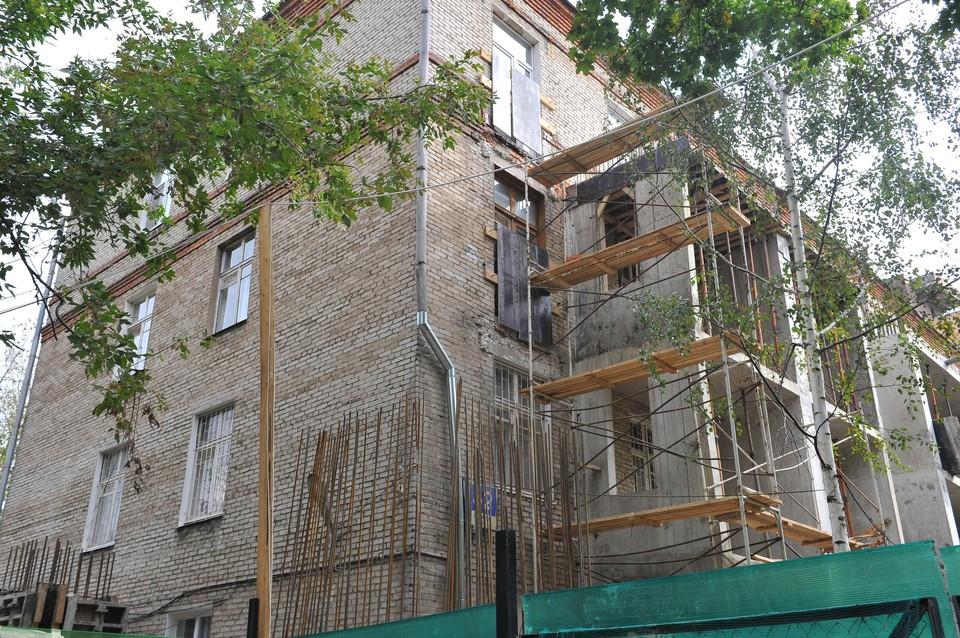 В Москве технологию надстройки этажей над хрущевками уже используют вовсю