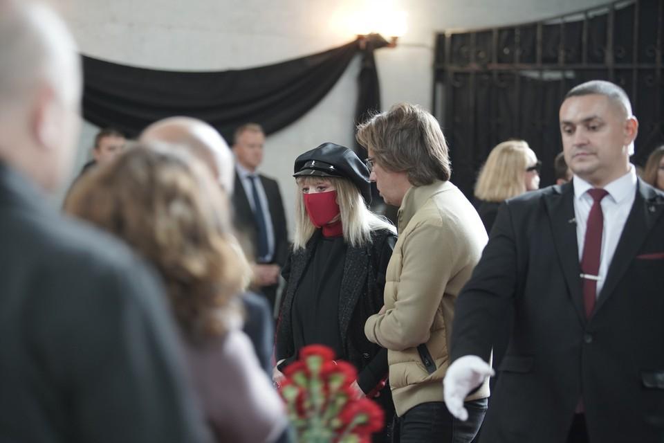 Алла Пугачева не могла пропустить траурную церемонию. Фото: Виктор Чернышов