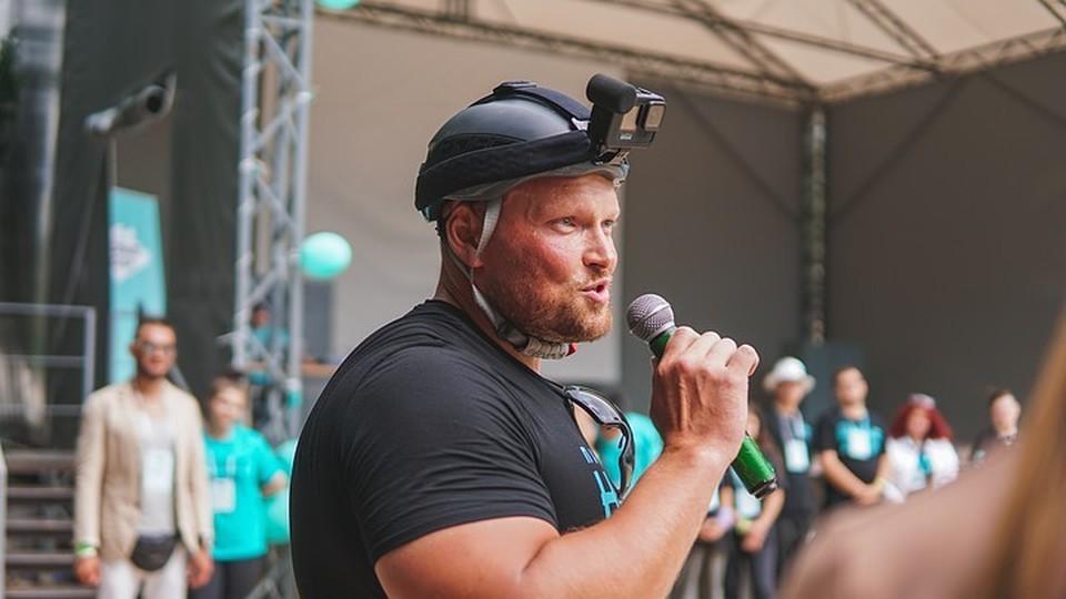Сергей Карнаухов на съезде партии в Алуште.