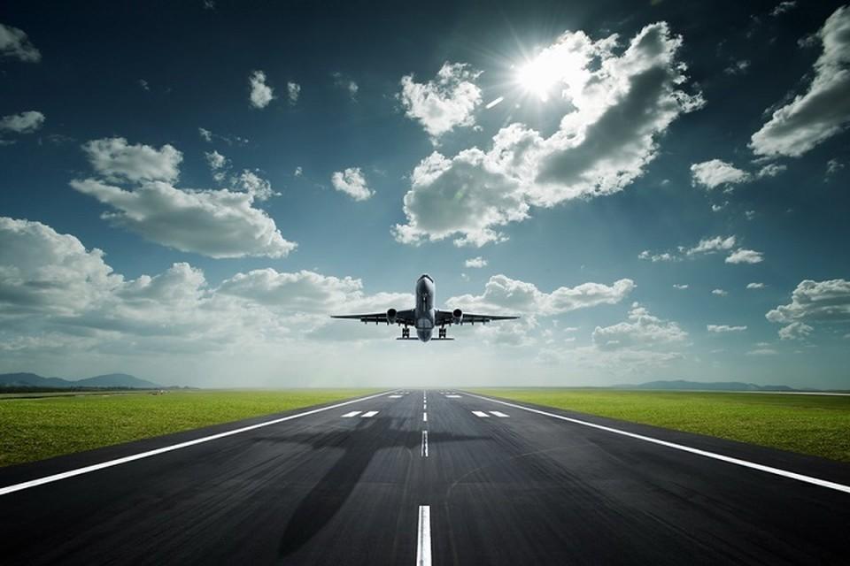 Теперь увеличение частоты полетов должно привести к снижению стоимости авиабилетов, которая ощутимо выросла после пандемии.