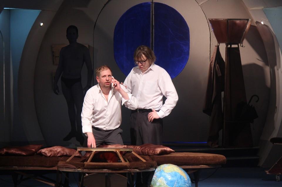 И в новом сезоне кемеровчан и гостей города приглашают на легендарную комедию положений. Фото: Театр драмы Кузбасса.