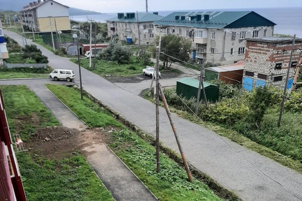 Сегодня утром жители села Правда Холмского района наблюдали непривычную картину