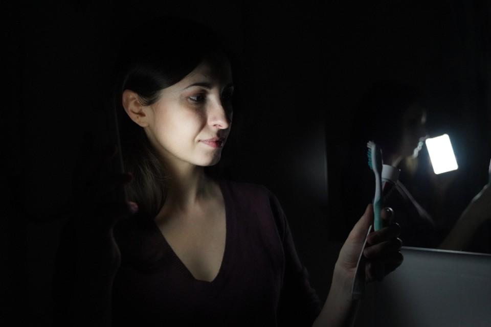 Срок отсутствия электричества в домах варьируется от двух до девяти часов.