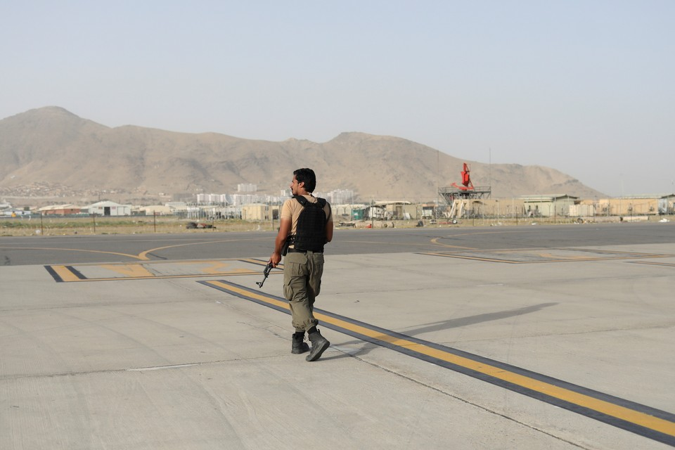 Аэропорт Кабула принял первый международный рейс после вывода войск США