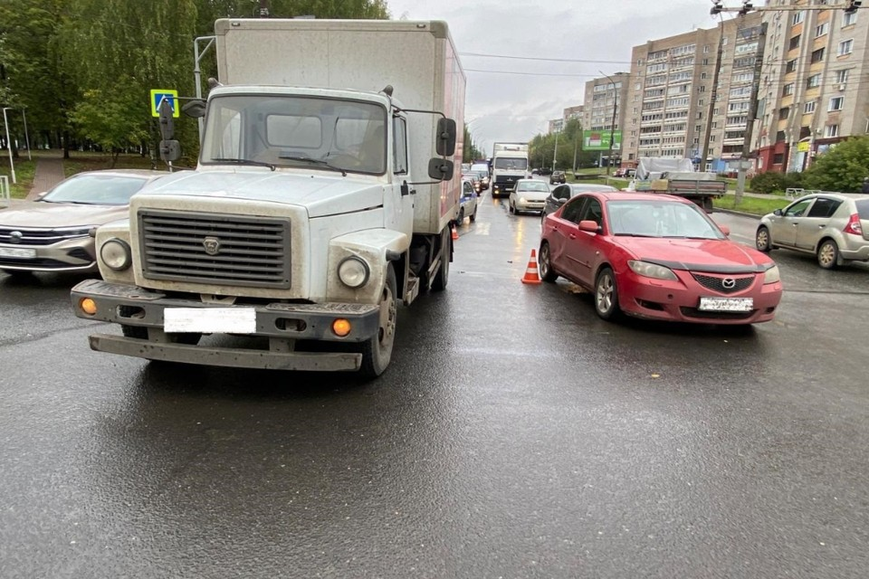 Авария произошла 14 сентября на ул. Ломоносова у дома № 22. Фото: vk.com/gibdd43