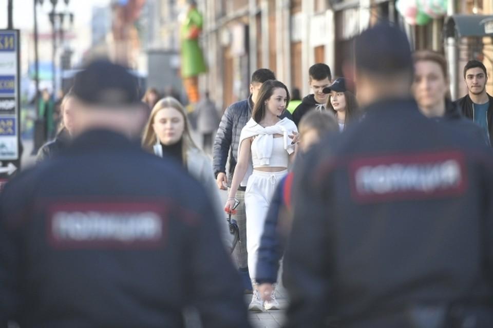 Полицейские обокрали жителя Саратовской области, сняли деньги с его счета и повесили на него кредит