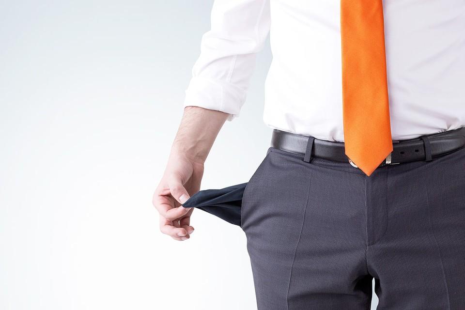 Мужчина активно пользовался удобным безлимитом по кредитной карте, но потерял меру и ушел в огромный минус