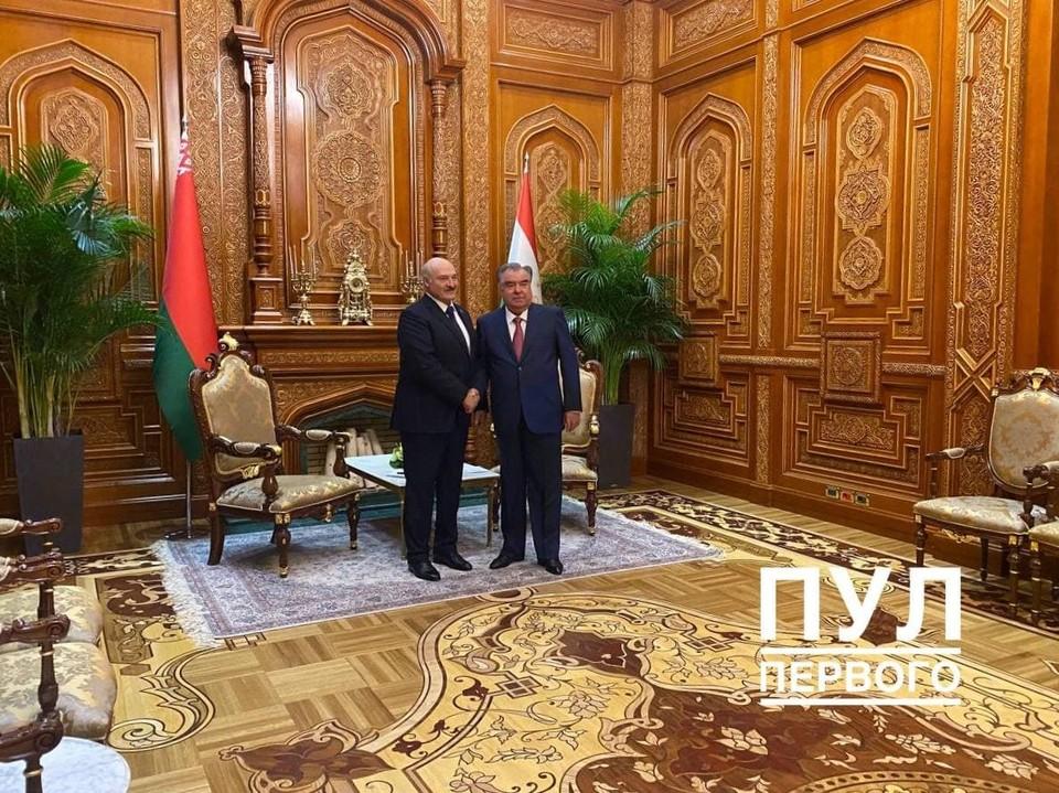 Александр Лукашенко встретился с президентом Таджикистана Эмомали Рахмоном.