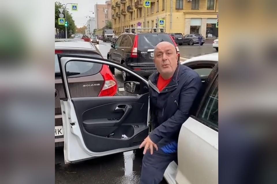 """В Петербурге водитель социального такси набросился на пенсионерку. Фото: """"Невские новости"""""""