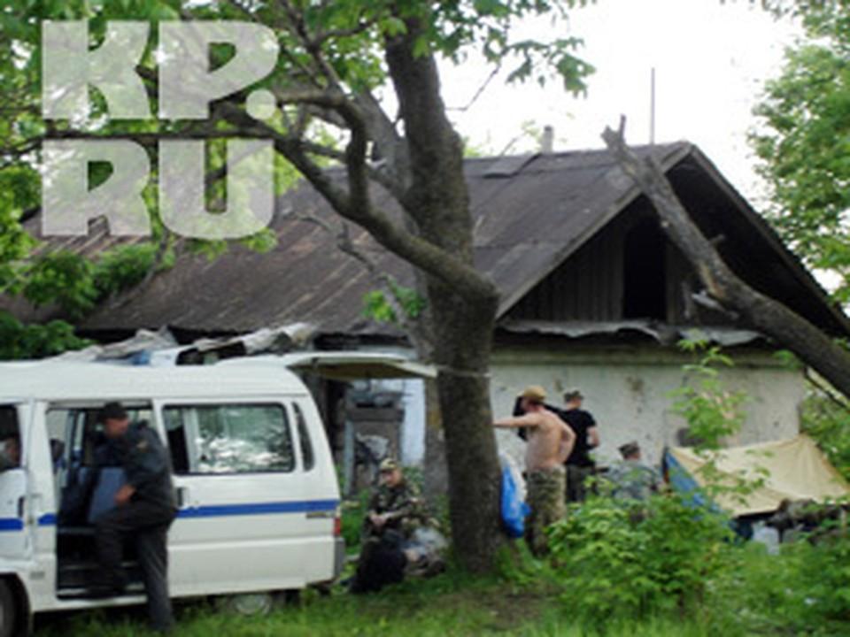 В Кировском милиционеры разбили палатки - дежурство ведется постоянно.