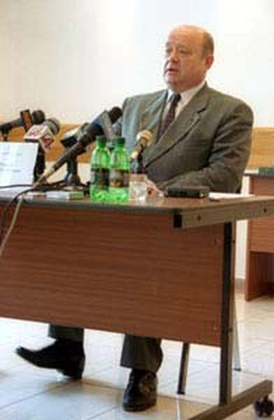 Фрадкова называют исключительно техническим премьером.
