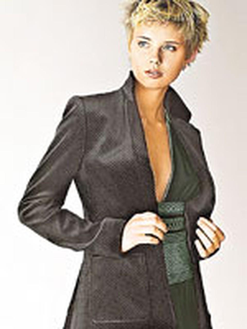 21-летнюю Машу Алалыкину называли самой красивой участницей группы «Фабрика». Рост девушки - 170, грудь - 81, талия - 62, бедра - 92. А глаза у нее - серо-зеленые!