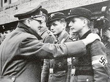 Напасть на СССР Гитлера вынудили Англия и США?