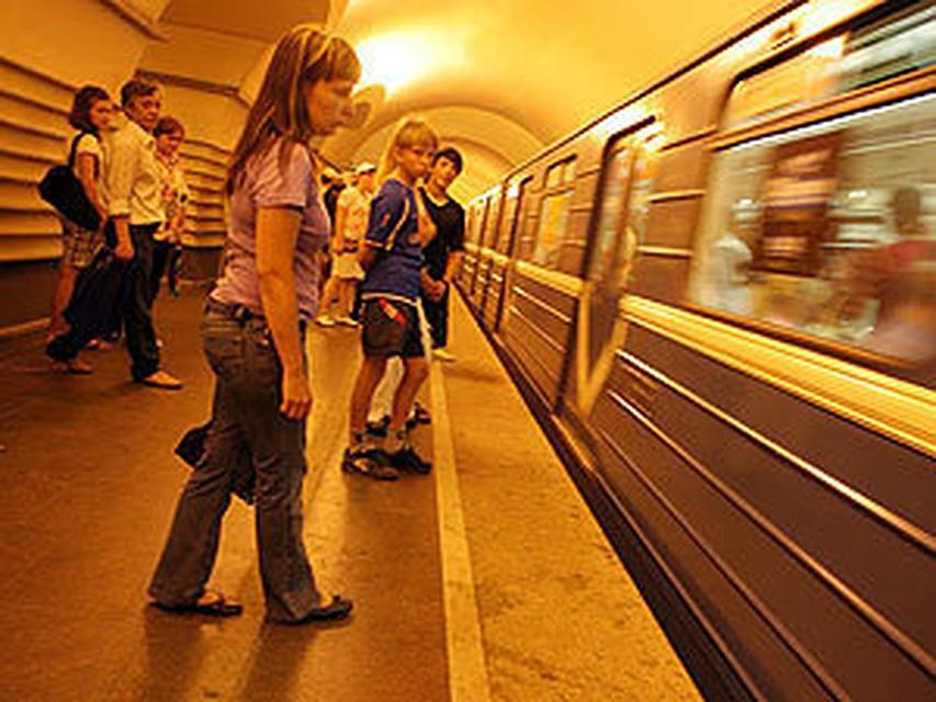 У кого был секс в метро
