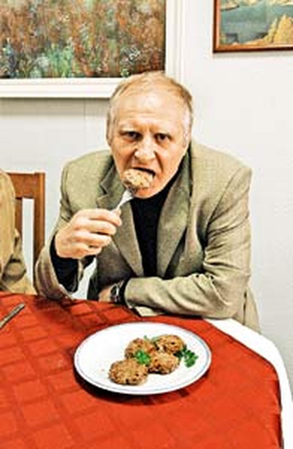До диеты - 99 кг, через неделю -  95 кг: Без картошки и без хлеба ем десятую котлету!