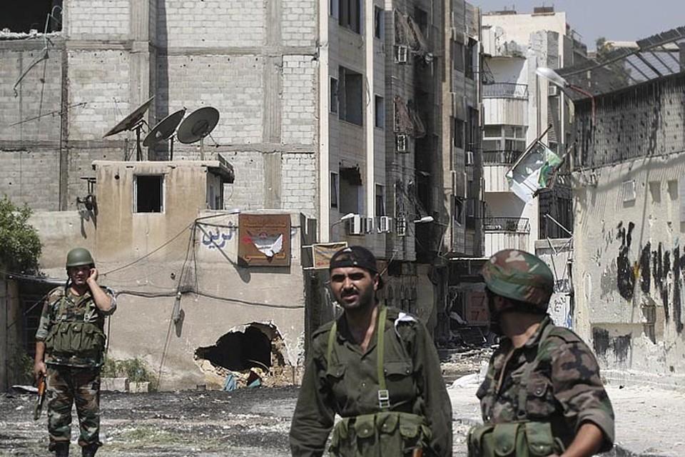 Бессмысленно протоптавшись в Хомсе столько месяцев, сирийская армия лишь показала всем: «мировому сообществу», своим гражданам и самим боевикам, что она не способна победить в этой войне. Не может победить, а возможно - не желает.