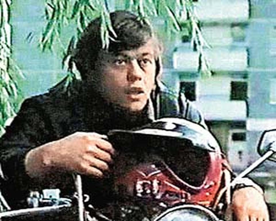 Актер не раз говорил в интервью, что одна из его любимых ролей в кино - обаятельный Урри из «Приключений Электроника».