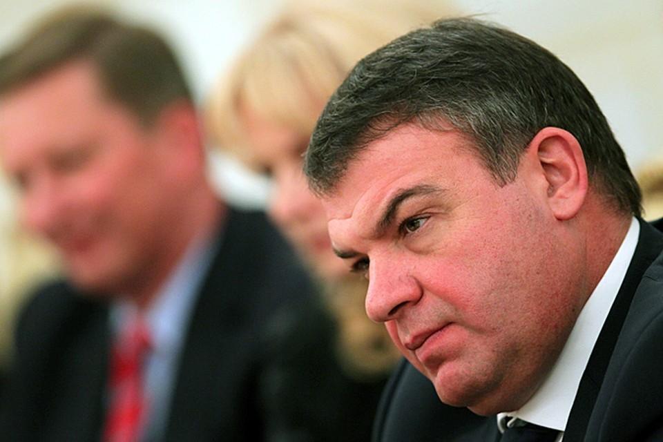 Сердюков объяснил участие солдат в строительстве дороги к даче своего зятя заботой об их полноценном отдыхе
